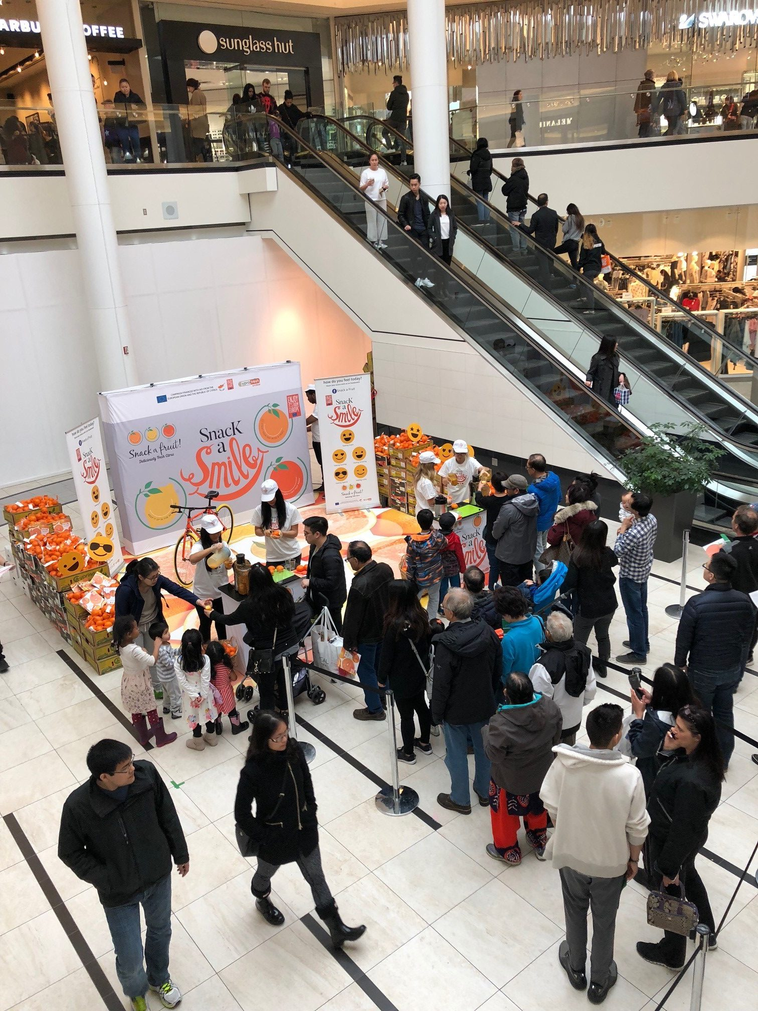 snack a fruit pop up experiential marketing canada